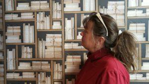 """Sortering av böcker i bokhyllorna och en """"shelfie"""""""
